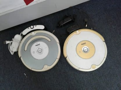 Lot of 2 iRobot Roomba Vacuums 540 531 Complete with charger as is 264804769990 2