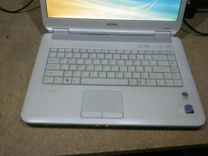 Vintage Sony Vaio Pcg 7153L Vista laptop White Nice condition Works Great 274241977833 3