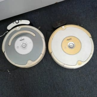Lot of 2 iRobot Roomba Vacuums 540 531 Complete with charger as is 264804769990