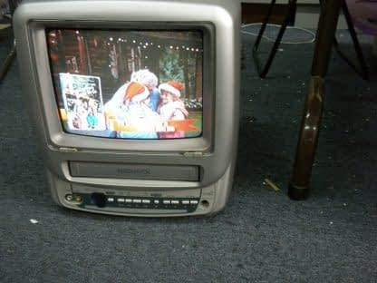Magnavox MC09D1MG01 Color 9 TVVCR Combo TV with Remote 264580448049 3