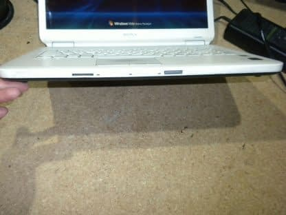Vintage Sony Vaio Pcg 7153L Vista laptop White Nice condition Works Great 274241977833 9