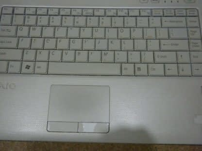 Vintage Sony Vaio Pcg 7153L Vista laptop White Nice condition Works Great 274241977833 4